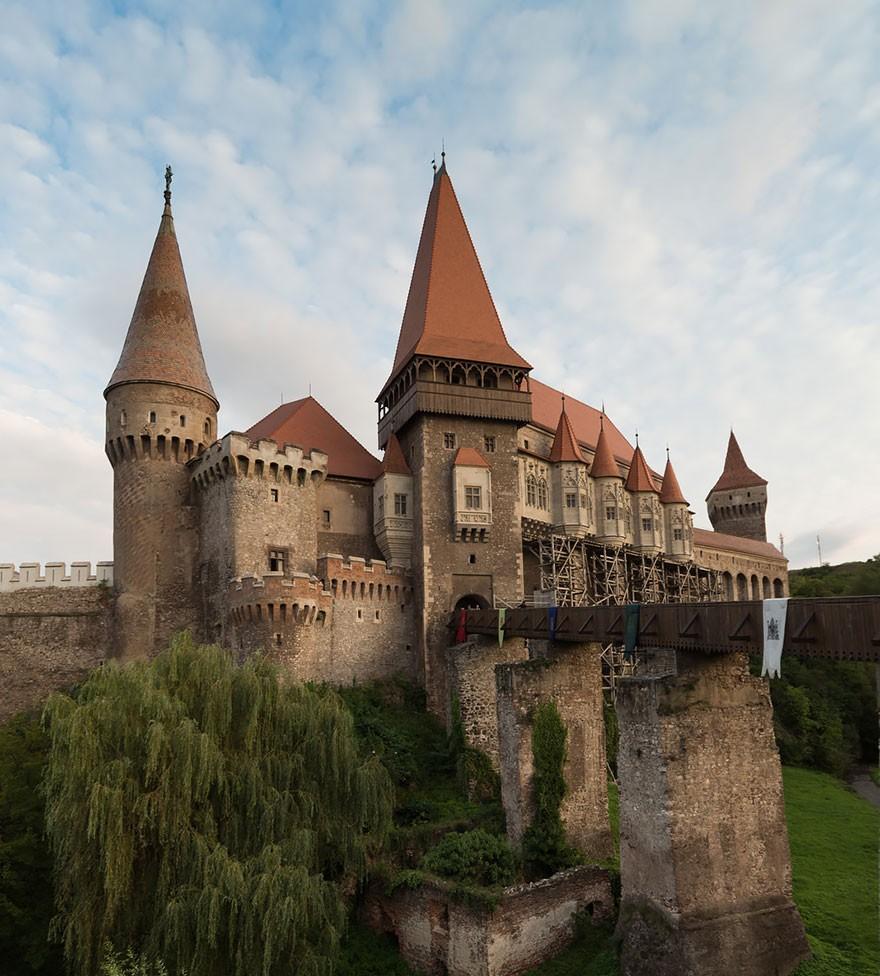 16. Замок Корвин, или Корвинешть. (Фото: Надя Жирардини)