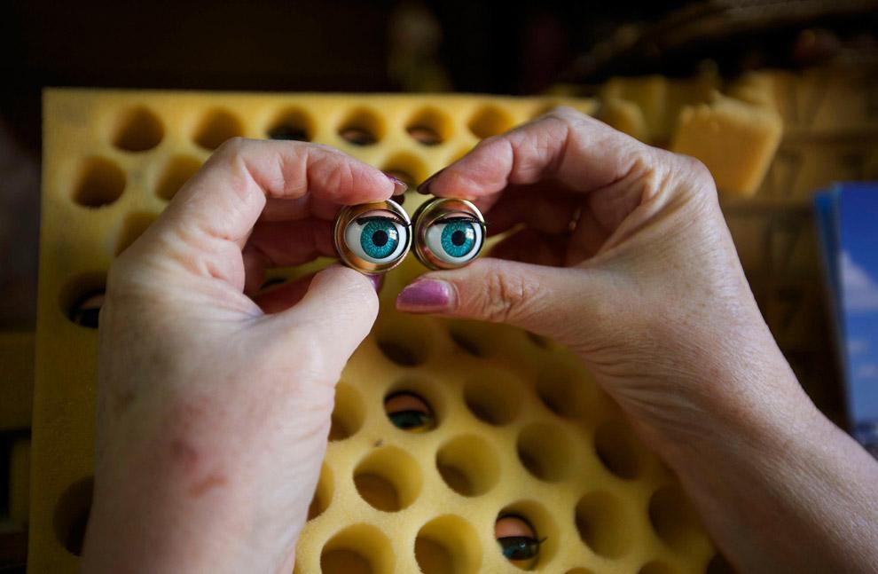 9. Поиск нужных конечностей. (Фото Jason Reed   Reuters):