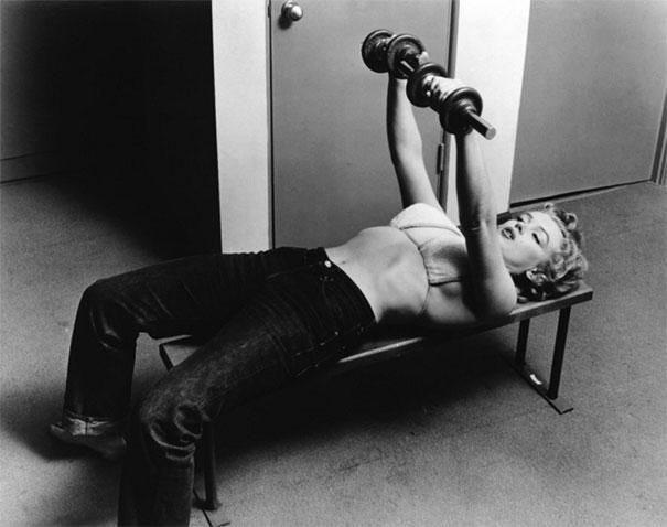 26-летняя Мэрилин Монро тренируется, 1952 год.