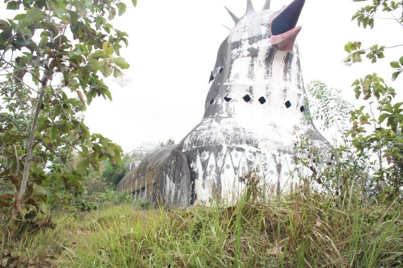 Помимо использования здания как молитвенного дома, оно также приютило в своих стенах реабилитаци