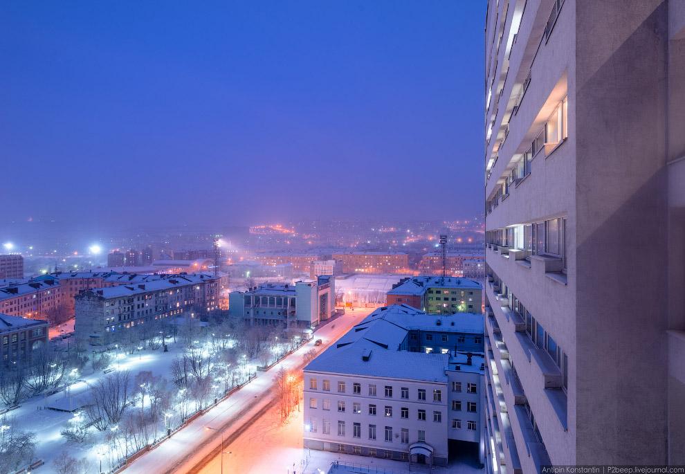 42. Приезжайте в город Мурманск на Новый год — не пожалеете.