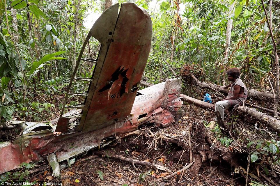 Остатки японского военного самолета «Зеро» в джунглях острова Гуадалканал, Соломоновы острова.