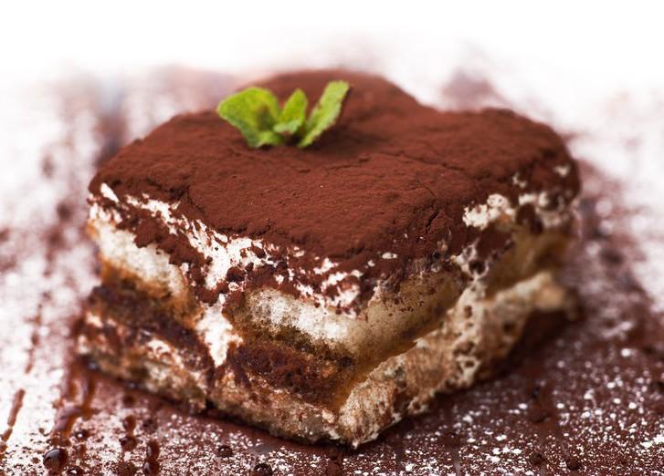 8. Тирамису (Италия) Другое название этого десерта — «Тосканская мелочь», а появился он на свет в Си