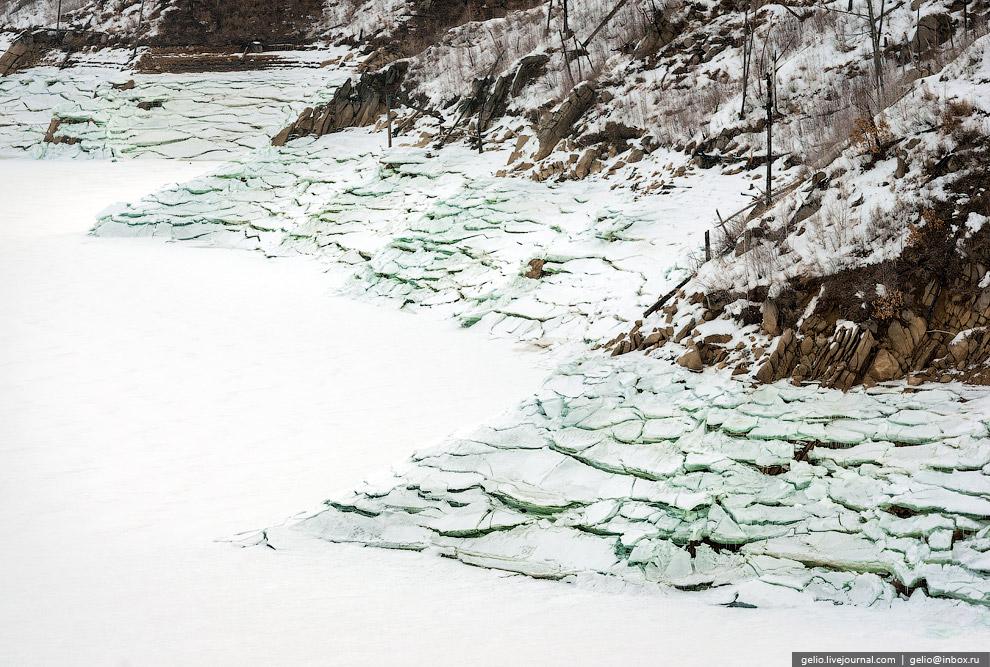 Водосливная часть плотины. Водосброс предназначен для сброса избыточного притока воды в половод