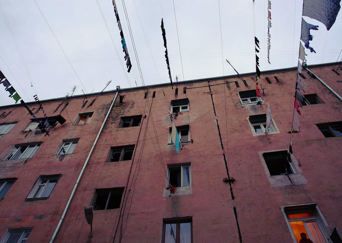 3. Если бы постиранного белья было больше — они бы заняли всё небо, и в Армении всегда было бы темно