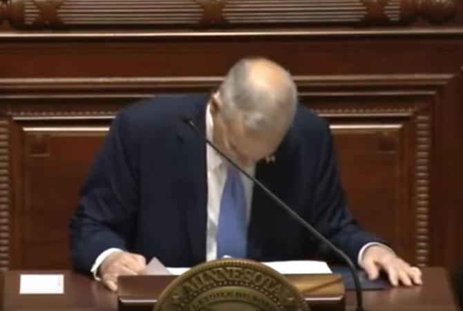 Губернатор штата Миннесота упал вобморок, выступая в съезде
