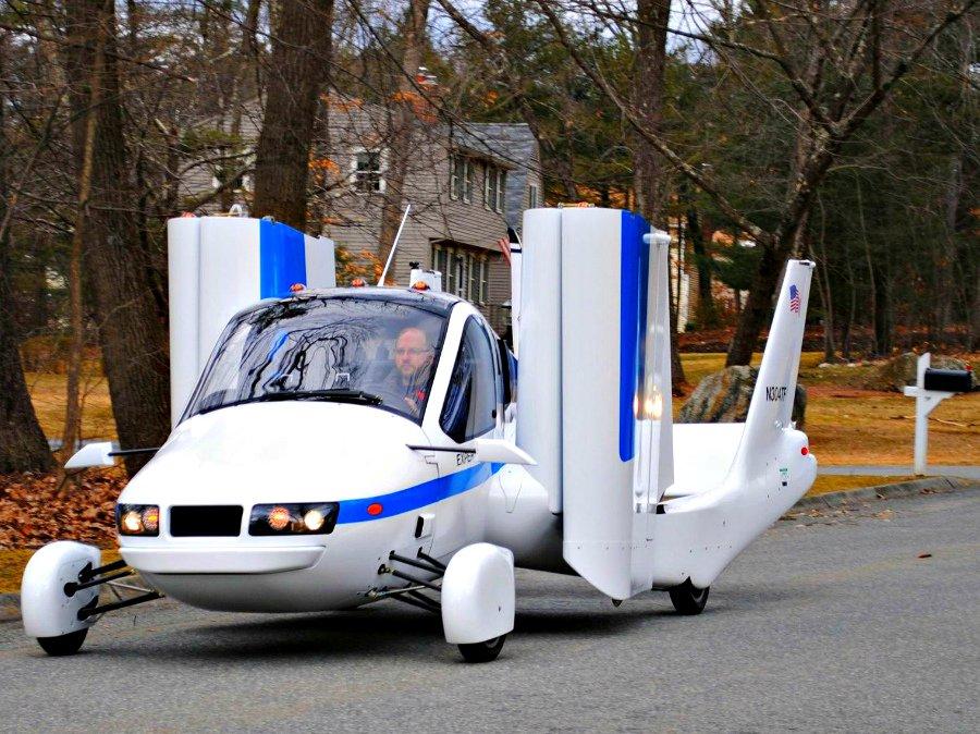 На консилиуме вДубае представлен «летающий автомобиль»