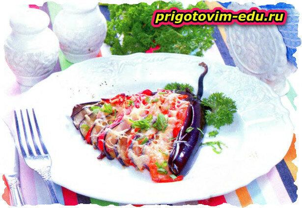 «Веер» из баклажанов с овощами