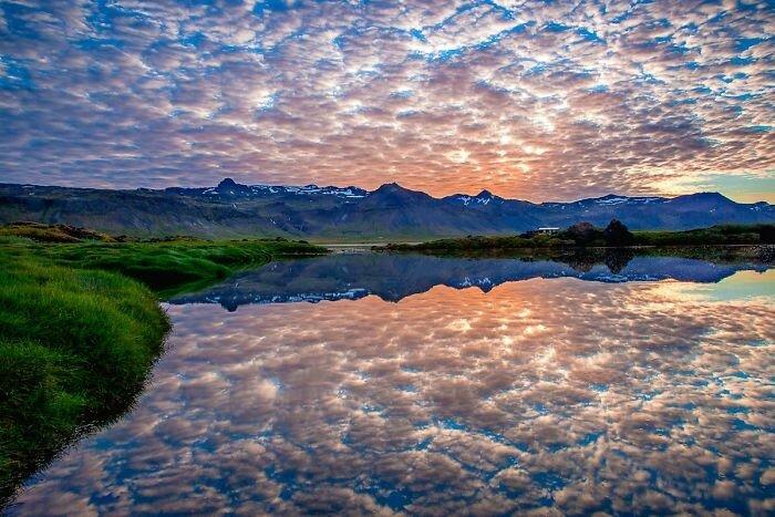 Озеро с сахарной ватой в Исландии