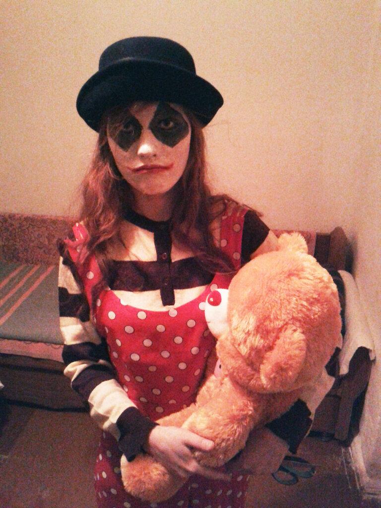 MoonHYDE halloween