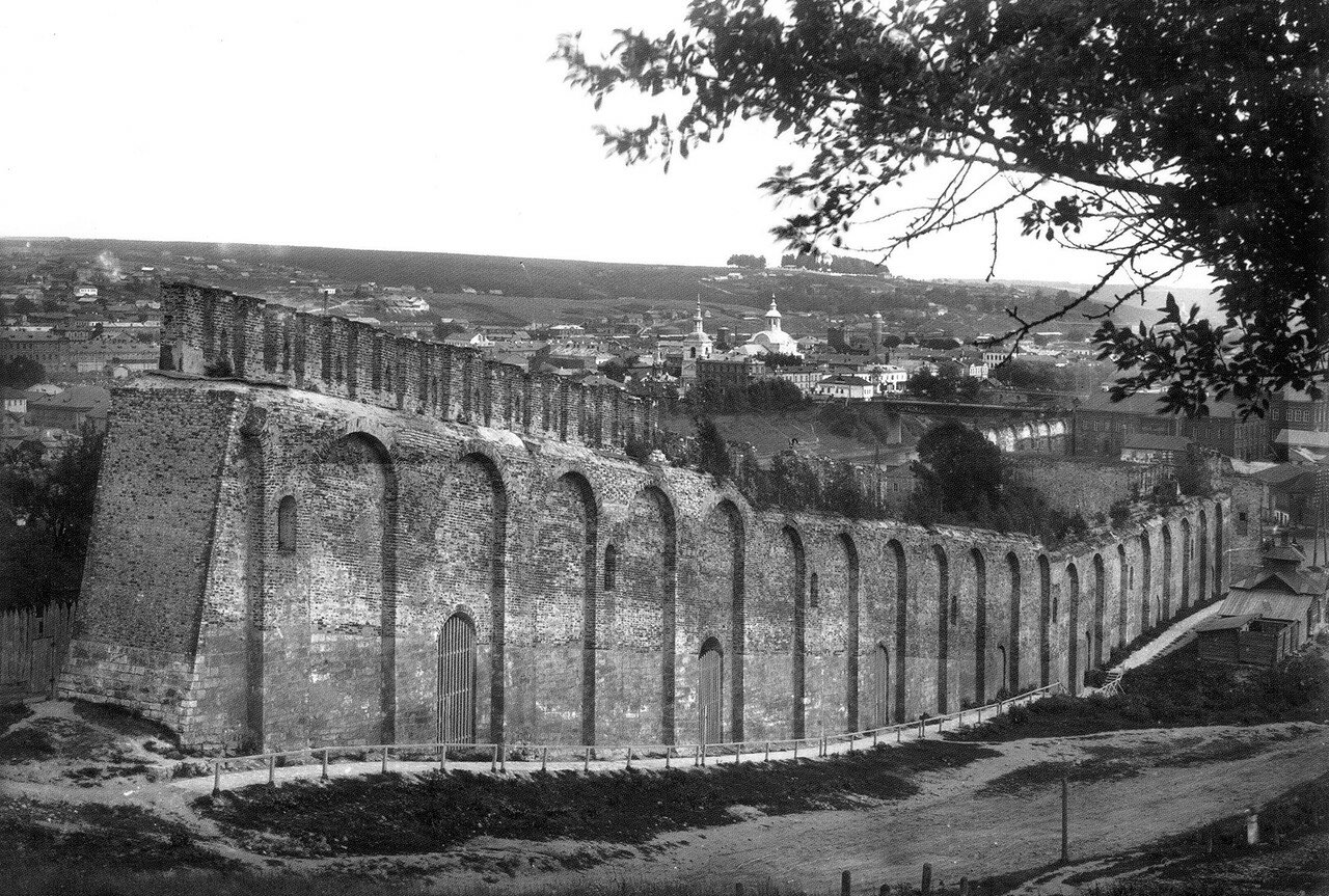 Вид на крепостную стену с Казанской горы. 1907