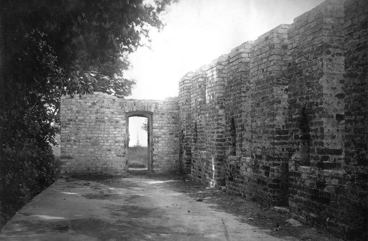 На крепостной стене у Королевского бастиона. 1912