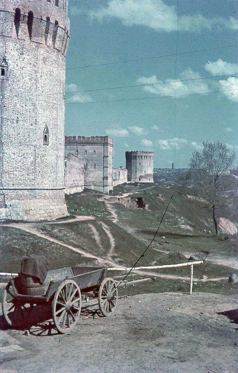 1942. Башни Заалтарная, Авраамиевская и Орёл