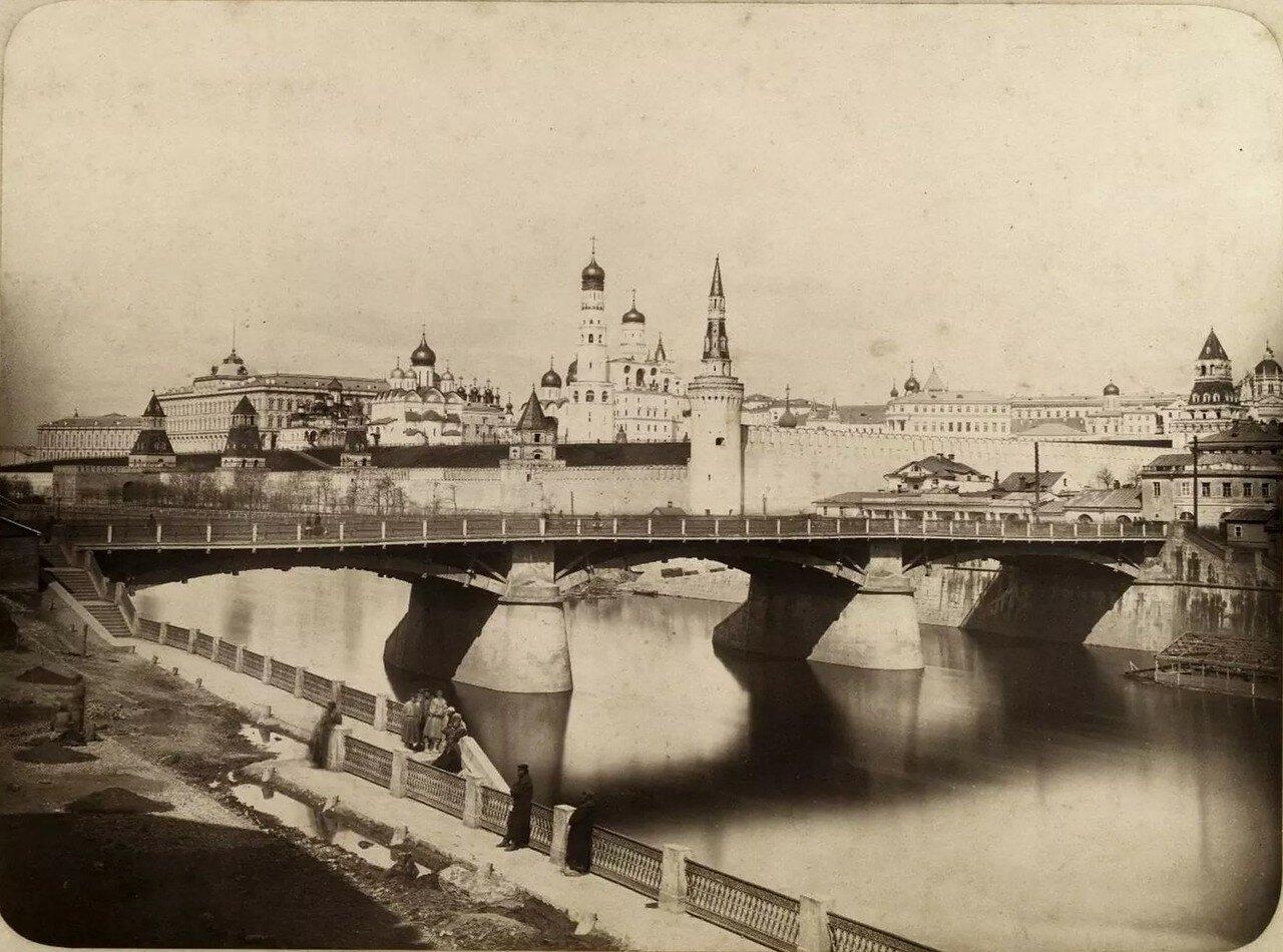 Вид на Кремль и Москворецкий мост. 1866