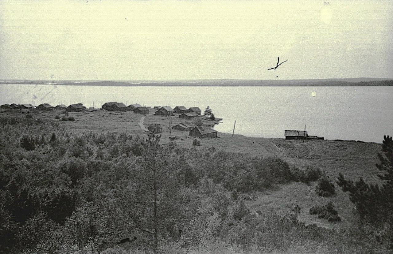 Ерши. Вид на село со Скалы по тропинке на Владимирскую
