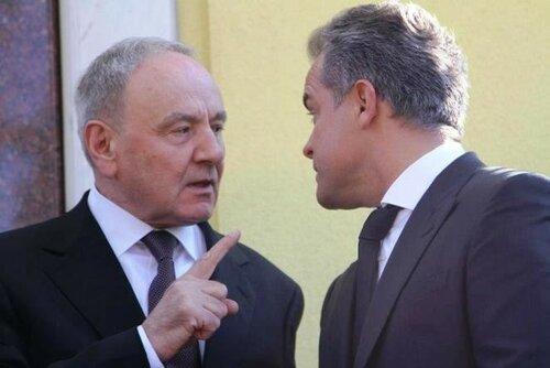 Уходя, Тимофти просит прощения у Плахотнюка в румынской газете