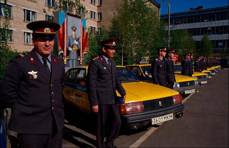 Советская милиция Robert Wallis.jpg