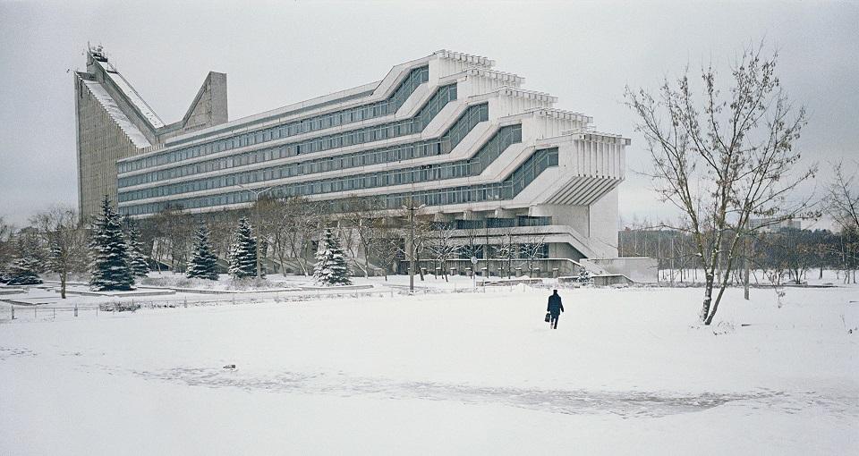 Политехнический институт в Минске, Беларусь. При этом приведенные архитектурные шедевры оставляют дв