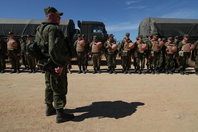 Русские звезды выступили перед военнослужащими наавиабазе Хмеймим