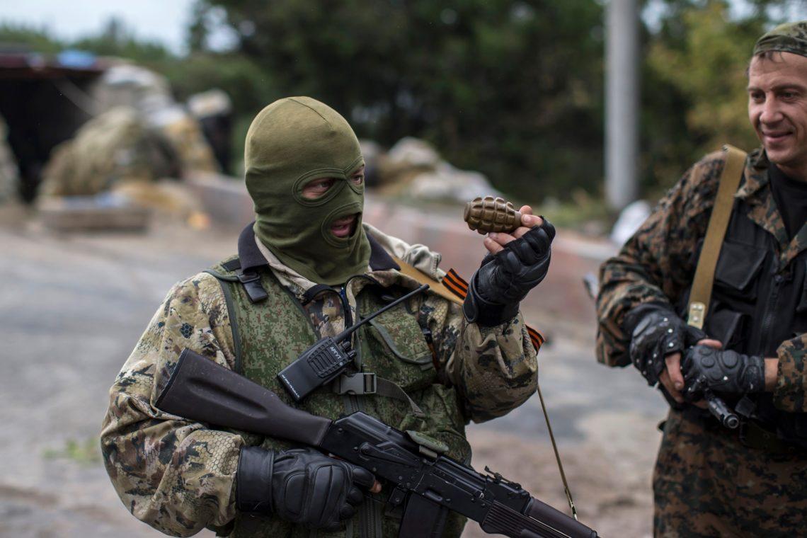 На Пасху боевики так называемой ЛНР успели расстрелять местного жителя устроить массовую драку с казаками и повзрывать гранаты на окра