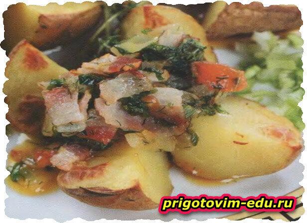 Молодой картофель с беконом и зеленью