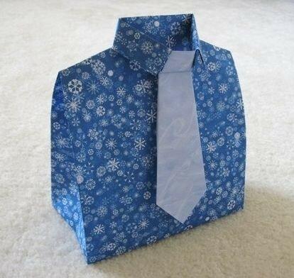 Упаковка подарка мужчинам