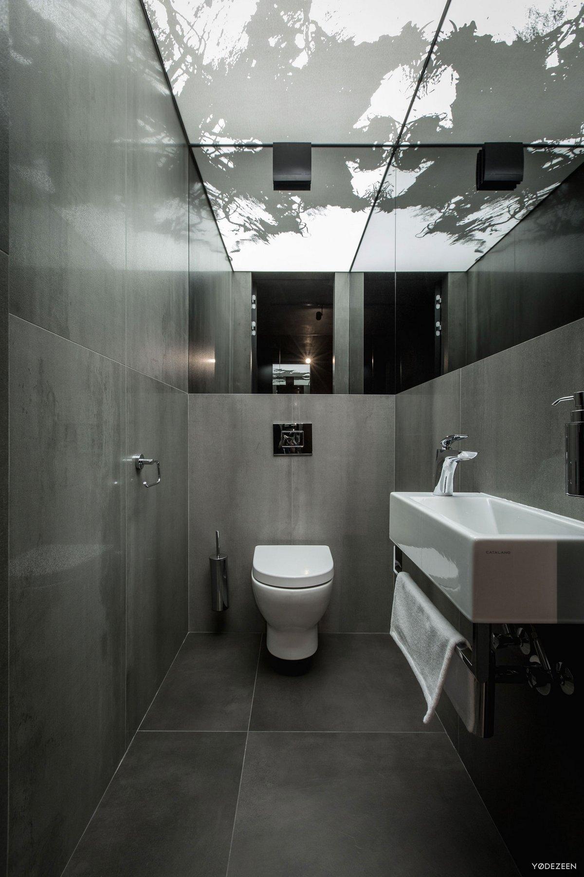 Темный интерьер квартиры в Киеве от Yodezeen