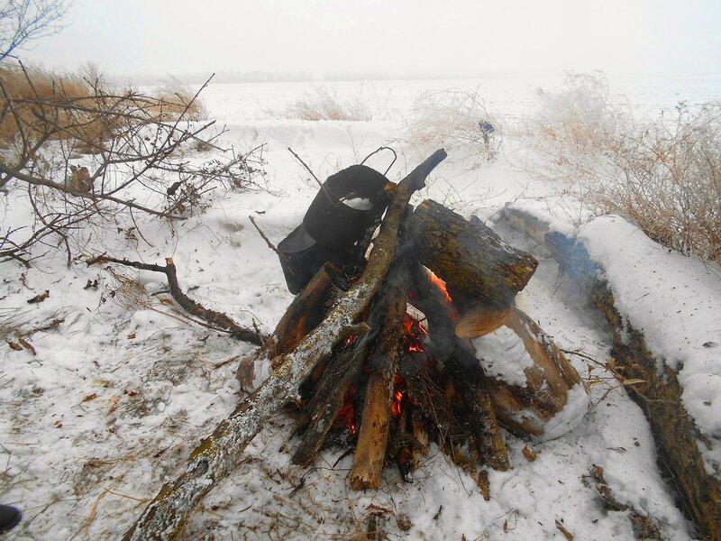 Живём средь снегов ... В походе декабрьском, снежно-туманном,