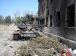 Сгоревший российский Т-72БМ у базы миротворцев в Цхинвале