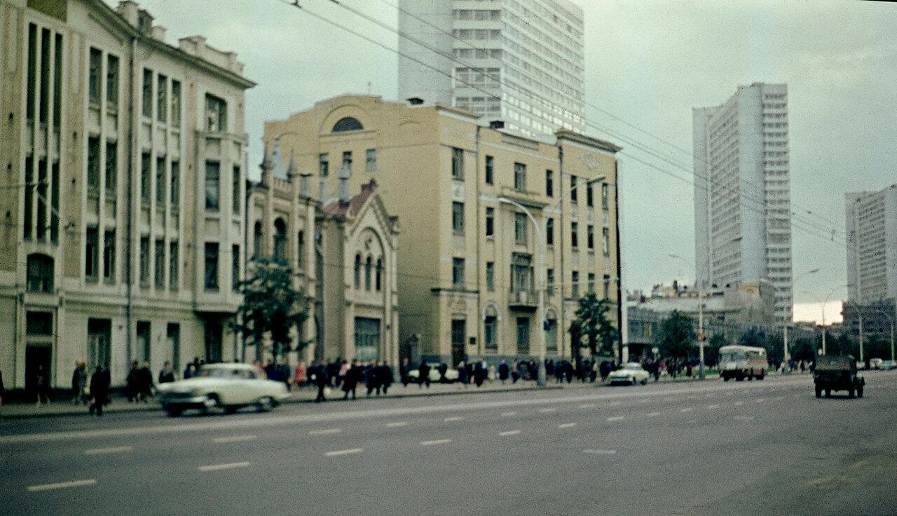 515790 Проспект Калинина 71 Сергей Бессмертный.jpg