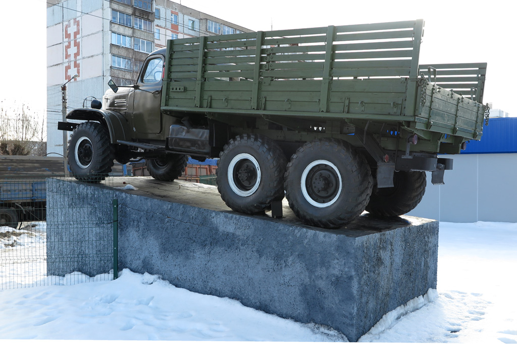020  ЗИЛ-157 в Кирове.JPG