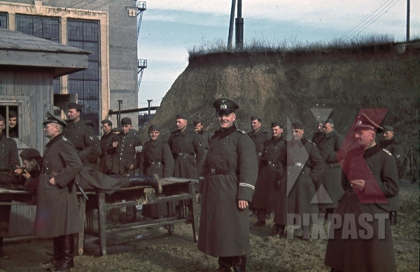 stock-photo-mariupol-ukraine-1942-german-officers-practice-rifle-training-kar98-in-front-of-factory-and-panzer-werkstatt-armband-9263.jpg