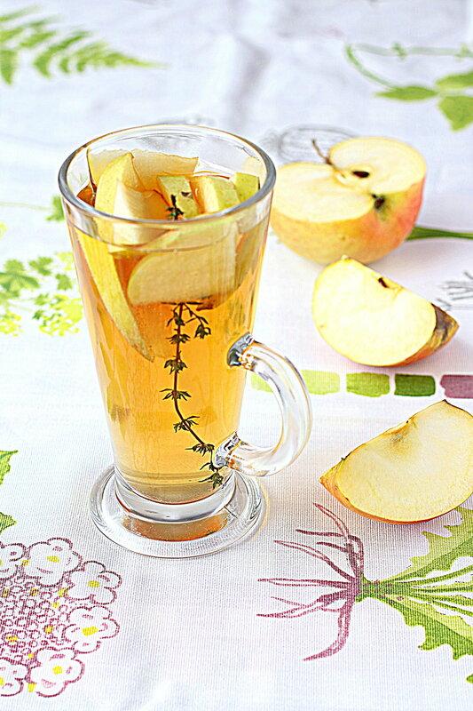 Чай с тимьяном и яблоком