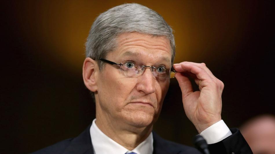 ВApple снизили заработную плату  Тиму Куку из-за нехороших  характеристик