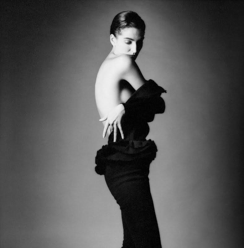 В 1953 году Жанлу Сьефф поступил в школу фотографии Vaugirard School of Photography в Париже, а зате