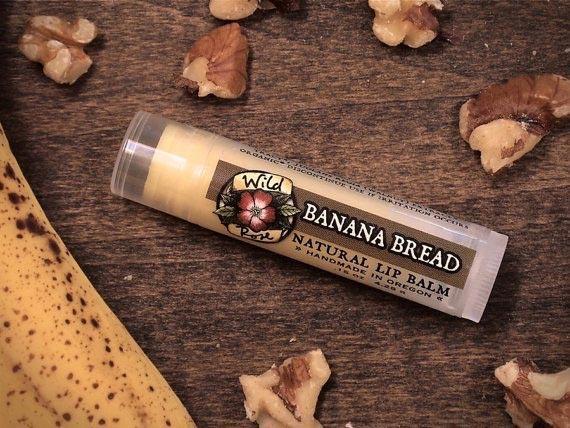 3. Бальзам для губ с ароматом бананового хлеба
