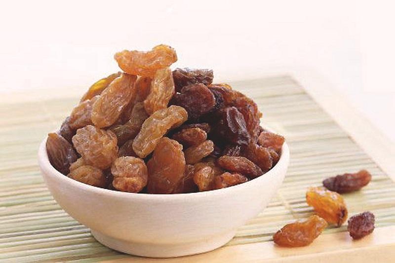 Эти продукты обладают низкой калорийностью и в силу своих особенностей помогают быстро усваивать пищ