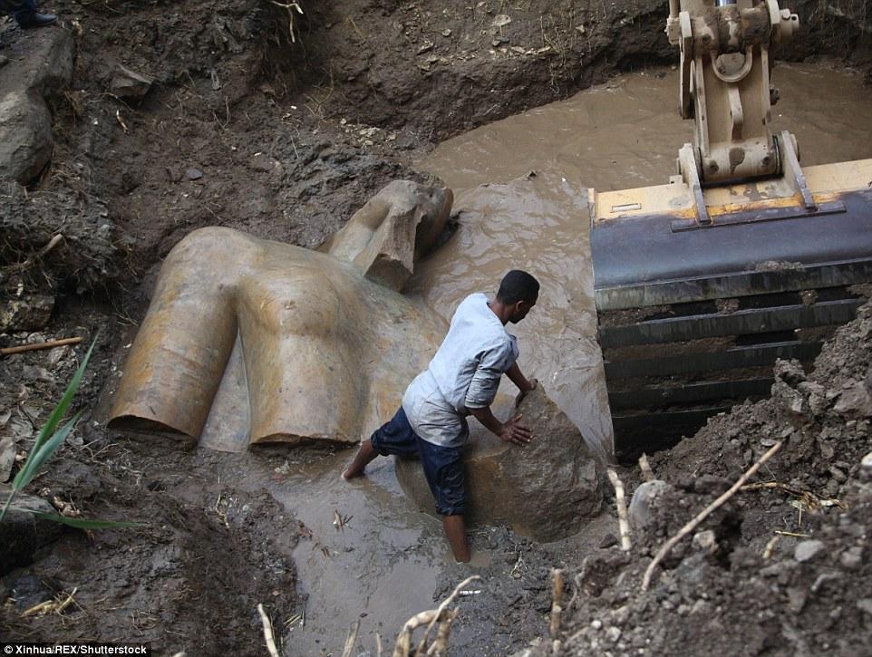 В Каире нашли статую фараона Рамзеса II возрастом 3000 лет (29 фото)