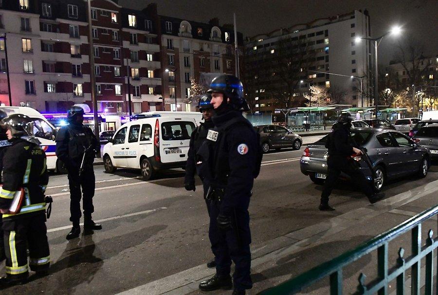 Милиция освободила захваченных встолице франции заложников