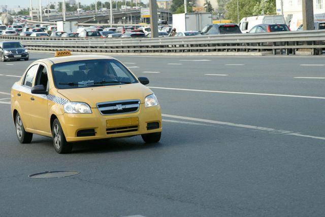 Московский таксист вышвырнул двухлетнего ребенка измашины