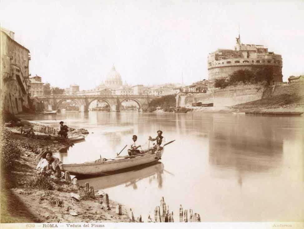Одна из первых фоторафий с видом на Тибр и замок Святого Ангела.jpg