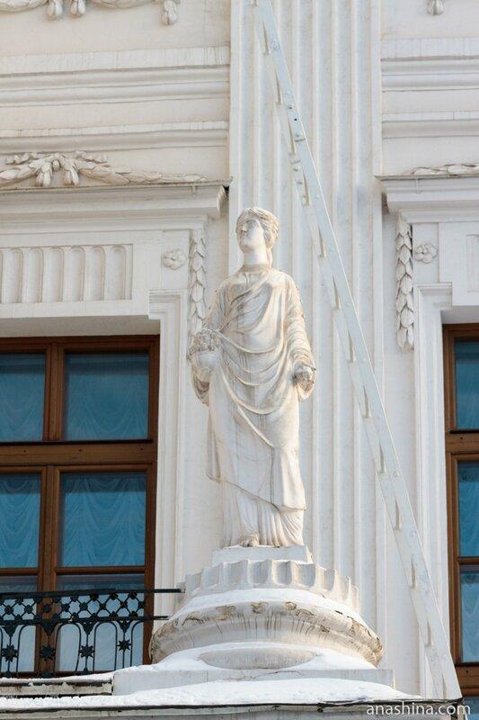 Статуя, дом Пашкова