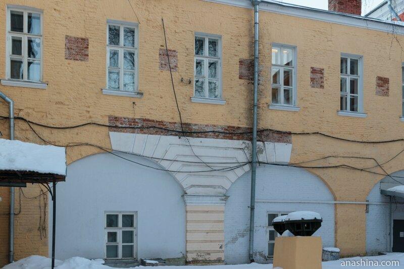 Фрагменты старой отделки, вскрытые реставраторами, Лефортовский дворец