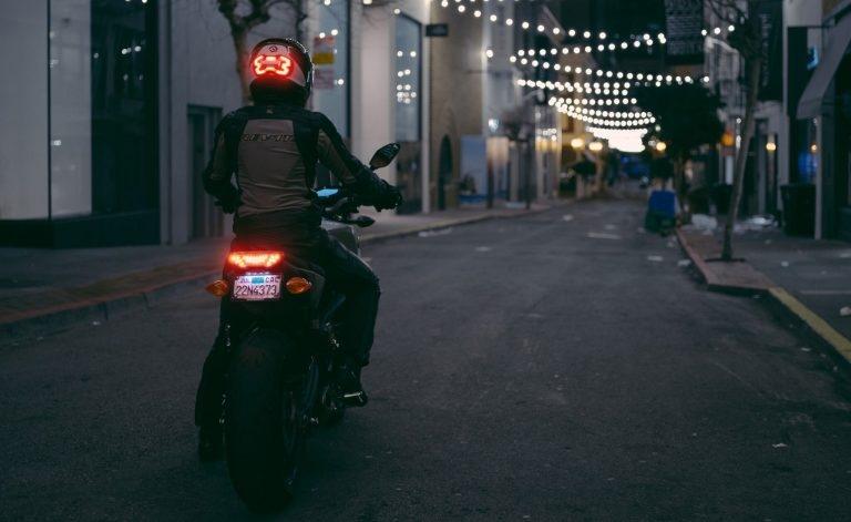 Brake Free - умный стоп-сигнал на шлем