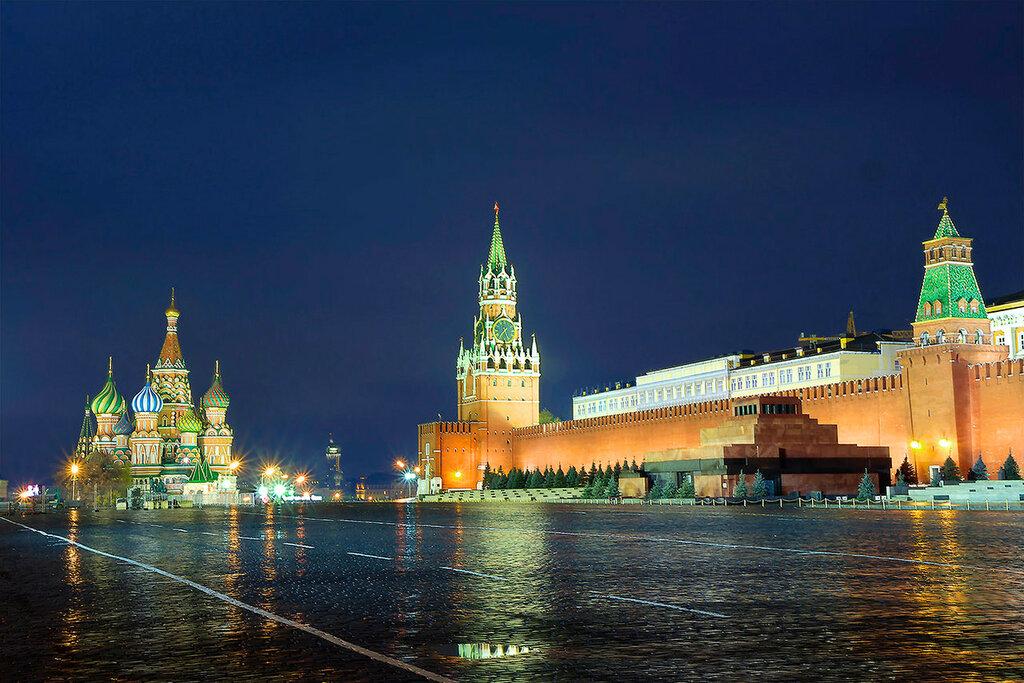 Москва. Красная площадь вечером.