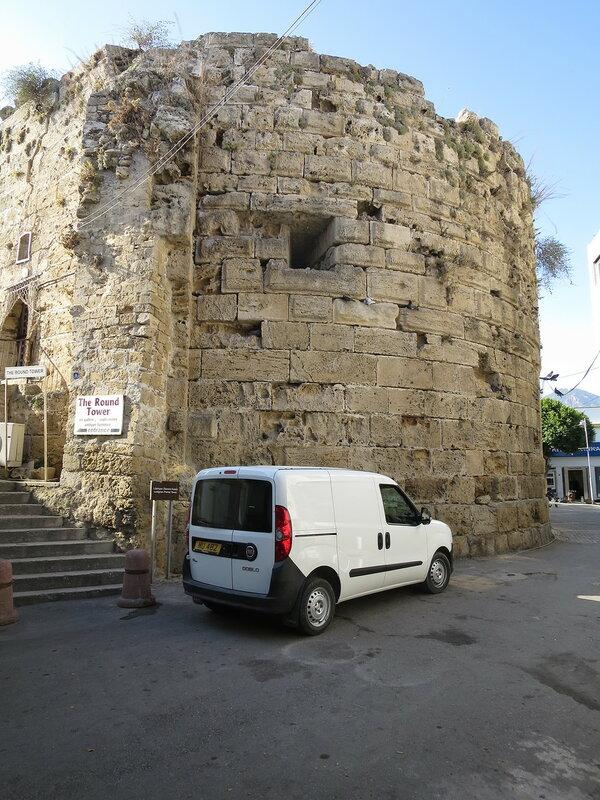 Кирения. Башня (А) городских укреплений со стороны города