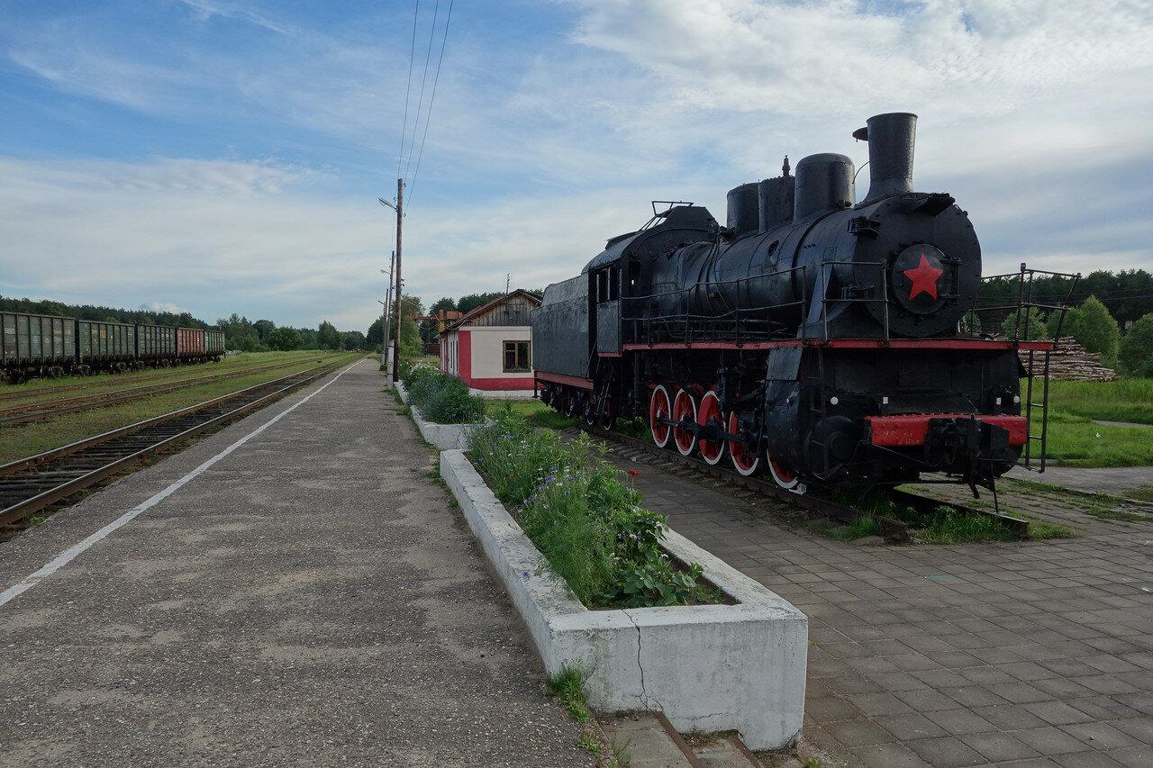 паровоз Эм 727-57