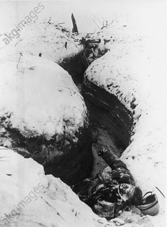 Belagerung v. Leningrad/Laufgraben 1943 - -