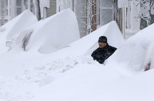 В десяти штатах Америки наступила настоящая зима