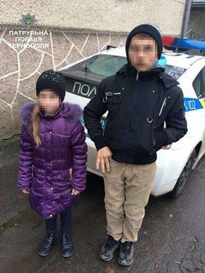 Девочка вызвала полицию, чтобы спасти брата, которого избивал пьяный отец. ФОТО